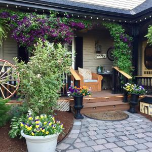 Hotel Pictures: Serenity Ranch Bed & Breakfast, Ancaster