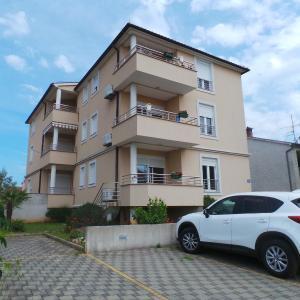 酒店图片: Apartments in Fazana/Istrien 27579, 法扎纳