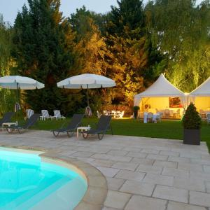 Hotel Pictures: Les Jardins D'Adalric, Obernai