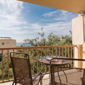 Hotel Pictures: Sunny beach flat, Cabopino