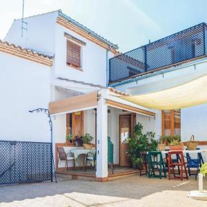 Hotel Pictures: Five-Bedroom Holiday Home in Villanueva del Rey, Villanueva del Rey Córdoba