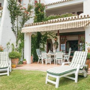 Hotel Pictures: Three-Bedroom Holiday Home in Matalascanas, Huelva, Matalascañas