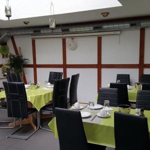 Hotel Pictures: Gasthaus Neuhaus, Romanshorn