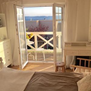 Hotel Pictures: Zimmer mit Bad und Balkon, Widen