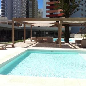 ホテル写真: Forest Tower 2 - Apartamento 305, プンタデルエステ