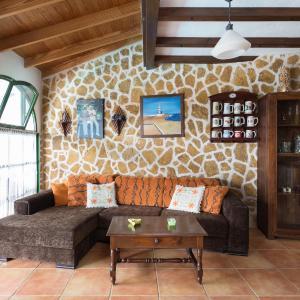 Hotel Pictures: Apartamentos Masino 'only adults', La Oliva