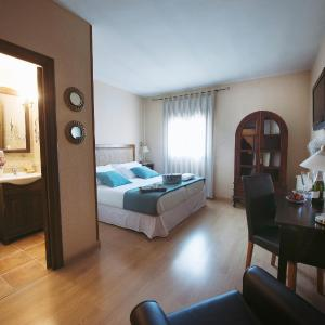 Hotel Pictures: Hostal Rural Moratín, Pastrana