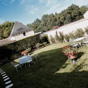 Hotel Pictures: Le Manoir de Marie-Lou, Rauzan