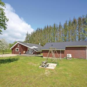 Hotel Pictures: Holiday home Skovsvinget Spøttrup, Vadum