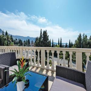 Fotos de l'hotel: Three-Bedroom Apartment with Sea View in Mlini, Mlini