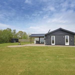 Hotel Pictures: Two-Bedroom Holiday home with a Fireplace in Struer, Humlum
