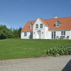 Hotel Pictures: Four-Bedroom Holiday Home in Vinderup, Vinderup