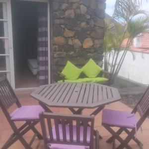 Hotel Pictures: Bungalows Colon, Los Quemados