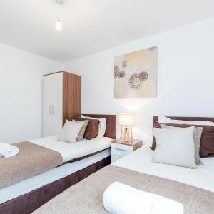 Hotel Pictures: CONEN Image Court, Romford