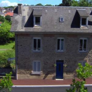 Hotel Pictures: Maison du Moulinassou, Saint-Yrieix-la-Perche