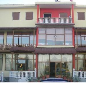 Hotellikuvia: Bar Restorant Hotel Deivi, Korçë