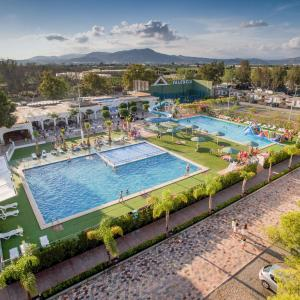 Hotel Pictures: Camping Valencia - Bungalows, Puzol