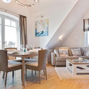 Hotel Pictures: Landhaus _Berthin_Bleeg_ App_ 10 O, Wenningstedt