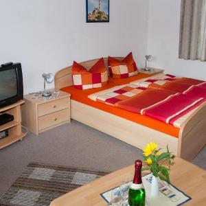 Hotelbilleder: Doppelzimmer-fuer-2-Personen-auf-Ruegen-Z6, Groß Banzelvitz