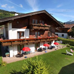Hotel Pictures: Pension Brixana, Brixen im Thale