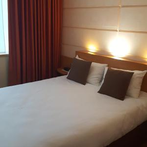 Hotel Pictures: Contact Hôtel du Parc, Orvault