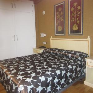 Hotel Pictures: Hotel Iru-Bide, Lumbier