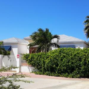 Foto Hotel: VillaSafir 15, Palm-Eagle Beach