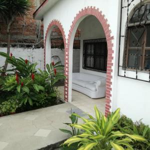 Hotel Pictures: Hostal Alexandra, Bahía de Caráquez