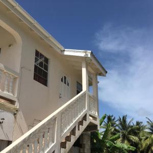 Hotel Pictures: Coconut cottage, Bridgetown