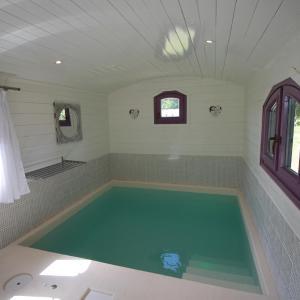 Hotel Pictures: Domaine de Meros, Plonévez-du-Faou