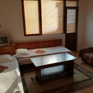 Hotelbilleder: Guest House Shotarovi, Dospat