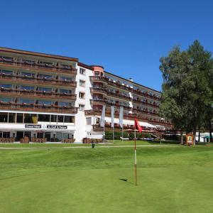 Hotel Pictures: Grand Hôtel du Golf & Palace, Crans-Montana