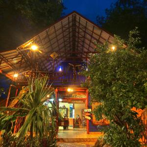 Hotel Pictures: Tico Adventure Lodge, Sámara