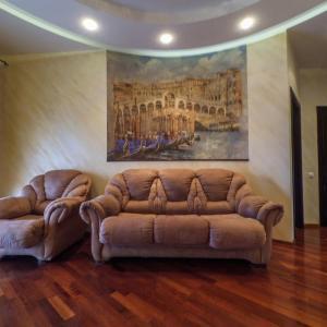 Hotel Pictures: Apartment on Kuybysheva, Omsk