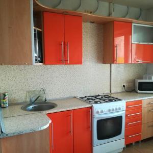 Hotel Pictures: Apartment Molodezhnaya 180/1, Navapolatsk