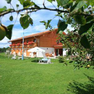 Hotelbilleder: Pension Schweizerhaus Garni, Weyarn