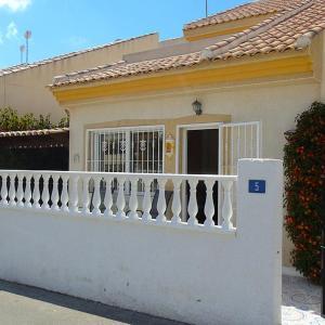 Hotel Pictures: Villa Rimas y Leyendas, Rojales