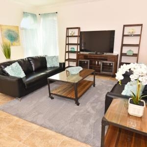 Hotellbilder: Six-Bedroom Orange Villa #427, Loughman