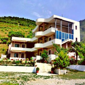 Фотографии отеля: Vila Perparim Selmanaj, Влёра