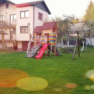 Hotel Pictures: Holiday home Shery, Rakovica