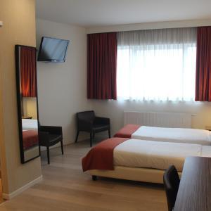 Фотографии отеля: Hotel Taormina Brussels Airport, Носсегем