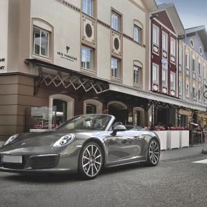 Фотографии отеля: Iris Porsche Hotel & Restaurant, Мондзее