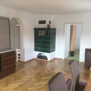 Hotel Pictures: Landgasthof Zum Schwarzen Adler, Markt Nordheim