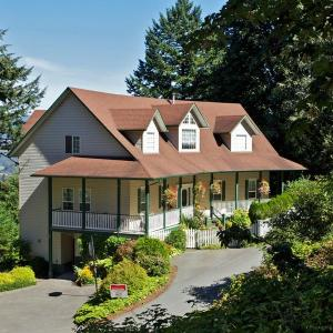 Hotel Pictures: Mountain View Two Bedroom Suite, Chilliwack