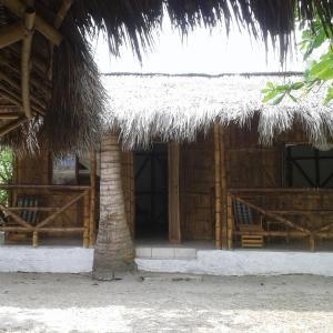 Hotel Pictures: Cabañas Caña Brava, Mompiche