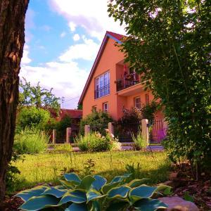 Hotelbilleder: Ferienwohnung am Wanderweg, Aidhausen