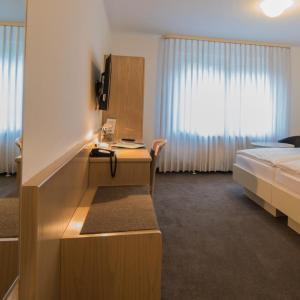 Hotelbilleder: Hotel am Wasen, Freiberg am Neckar
