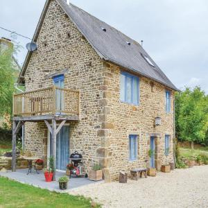 Hotel Pictures: Holiday Home Cauesmes Vaucé with Fireplace IV, Vaucé