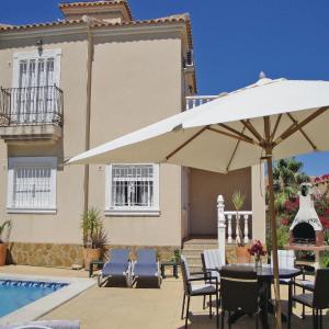 Hotel Pictures: Holiday home C/el Sorell, Guardamar del Segura
