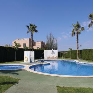 Hotel Pictures: Apartment Torrevieja with Lake View 04, Torrevieja